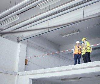 Bauzeitverzögerungen und Nachtragsforderungen rechtssicher handhaben