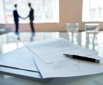 Verträge sicher gestalten und verhandeln für Nicht-Juristen